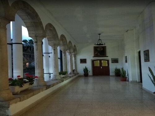 Госпиталь Святого Семейства
